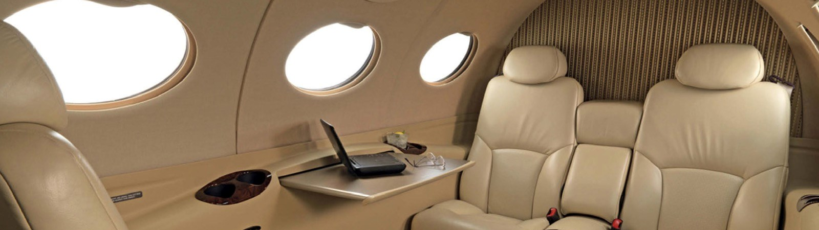 Private jets <br />Luxury packages